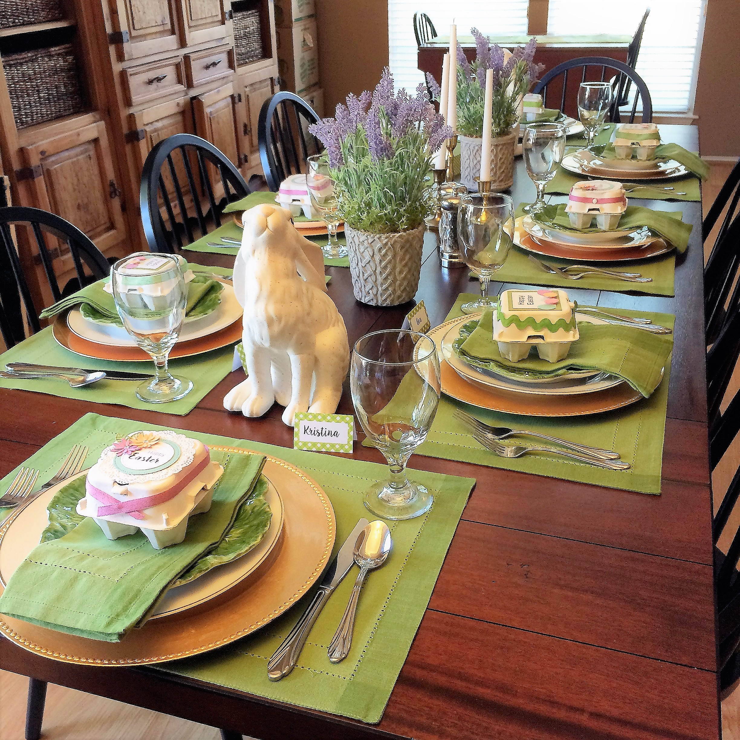 How To Create Your Own Mini Easter Egg Carton Table Settings